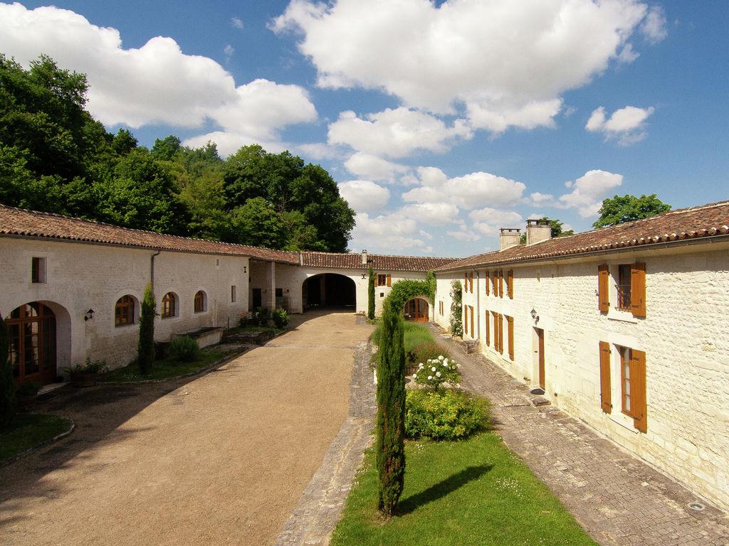 Ferienwohnung Luxuriöse Villa in Saint-Preuil mit Sauna (297497), Segonzac, Charente, Poitou-Charentes, Frankreich, Bild 8