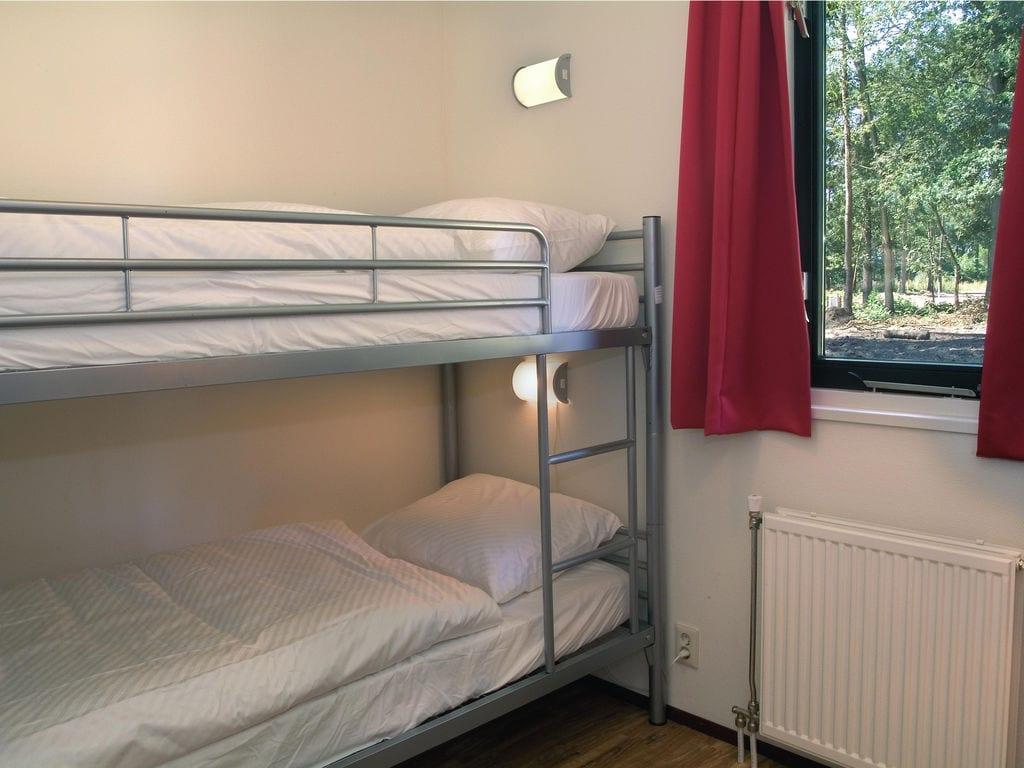Ferienhaus Gemütliches Chalet mit Geschirrsp. neben Naturschutzgebiet (321215), Borger, , Drenthe, Niederlande, Bild 8