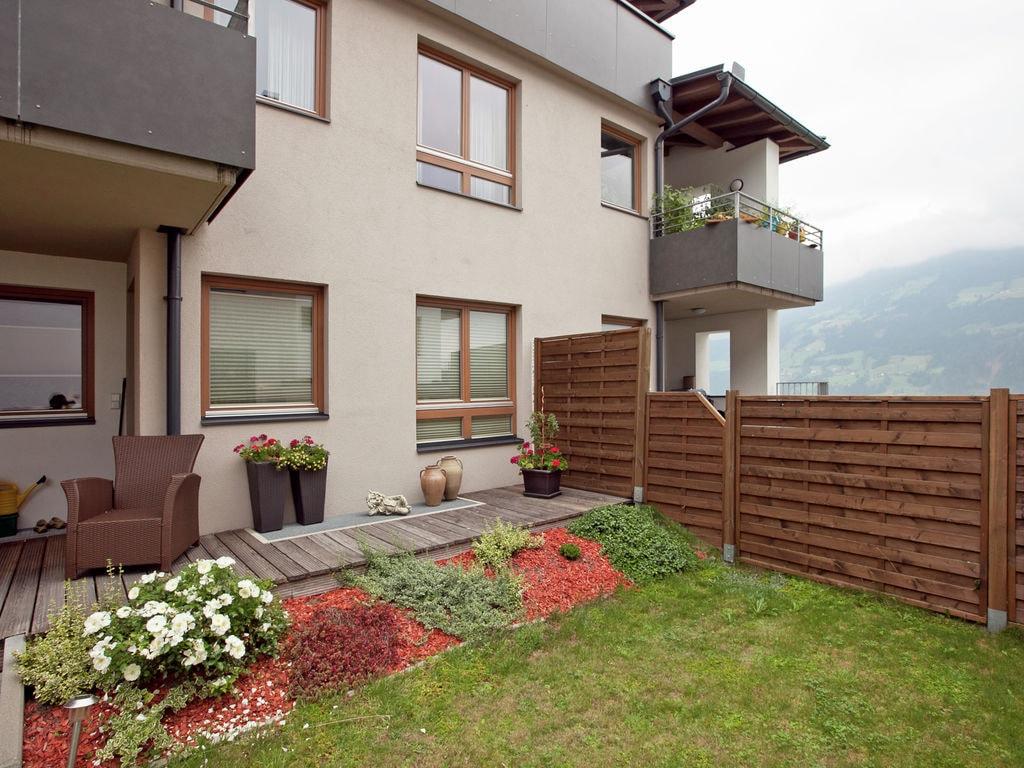 Ferienwohnung Schöne, neu erbaute und zentrumsnahe Ferienwohnung (300404), Hochfügen, Zillertal, Tirol, Österreich, Bild 1