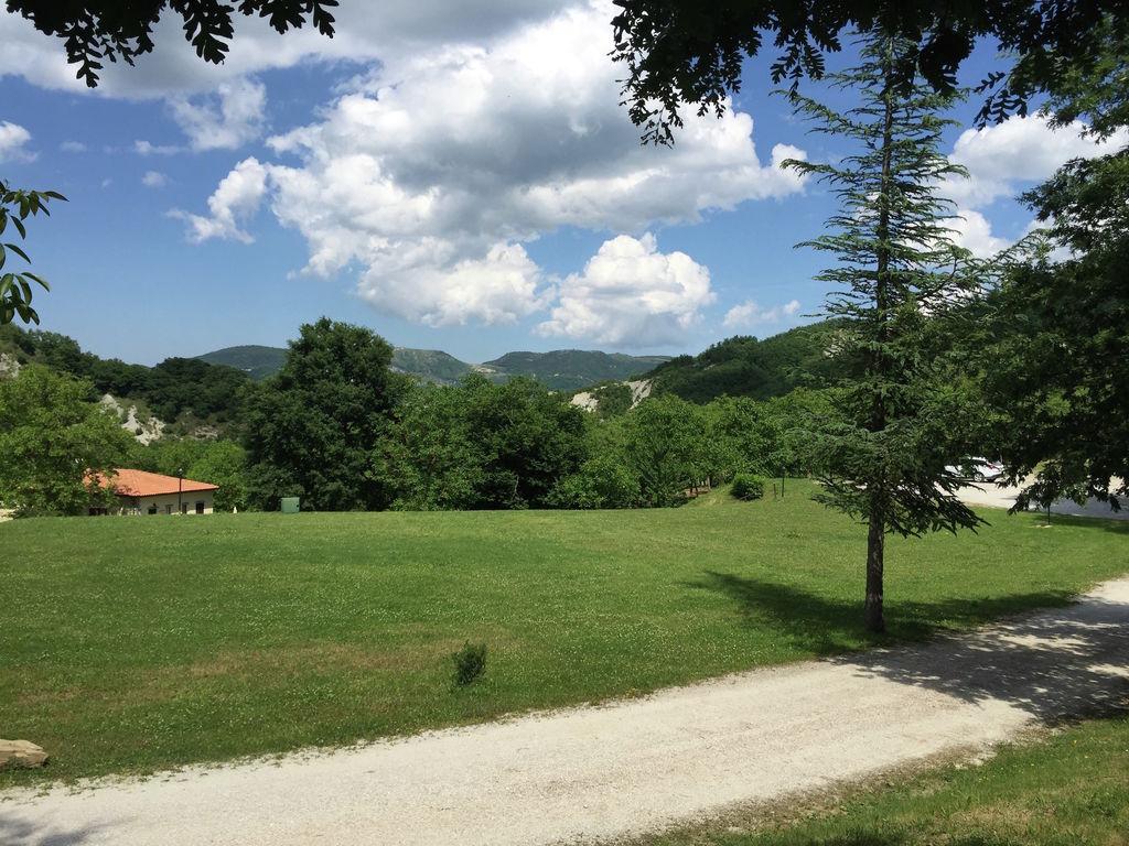 Ferienhaus Komfortables Landhaus in Apecchio mit Swimmingpool (307461), Apecchio, Pesaro und Urbino, Marken, Italien, Bild 11