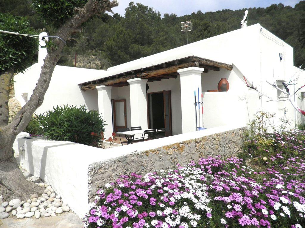 Ferienhaus Modernes Ferienhaus mit Pool auf den Balearen (562923), Urbanització Sierra Mar, Ibiza, Balearische Inseln, Spanien, Bild 2