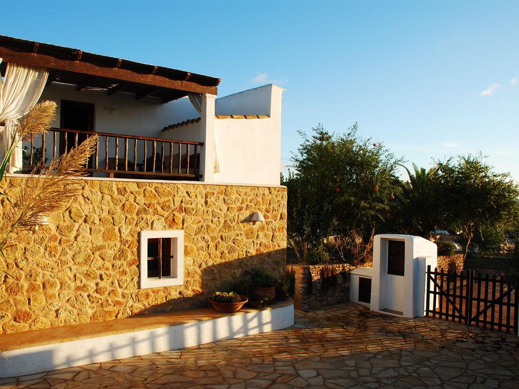 Ferienhaus Großzügige Villa auf den Balearen mit Swimmingpool (562887), Urbanització Sierra Mar, Ibiza, Balearische Inseln, Spanien, Bild 2