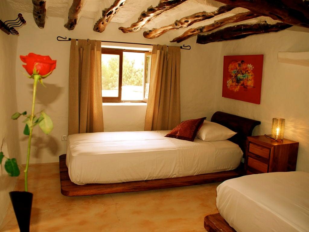 Ferienhaus Großzügige Villa auf den Balearen mit Swimmingpool (605046), Urbanització Sierra Mar, Ibiza, Balearische Inseln, Spanien, Bild 19