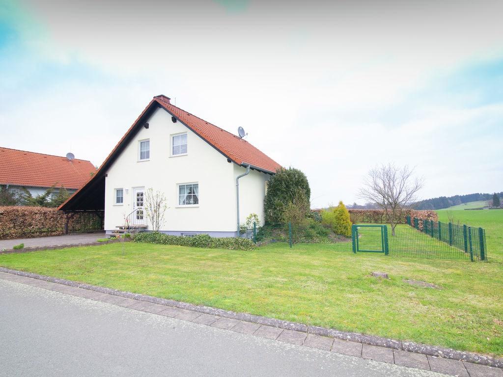 Ferienhaus Gehobenes Ferienhaus in Buchenberg Hessen mit buntem Garten (317780), Vöhl, Waldecker Land, Hessen, Deutschland, Bild 7