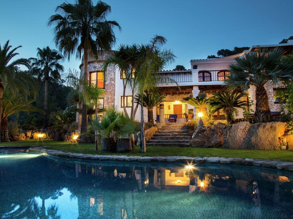 Ferienhaus Luxusvilla mit wunderschönem Pool in Santa Eulària des Riu (562867), Santa Eularia des Riu, Ibiza, Balearische Inseln, Spanien, Bild 2