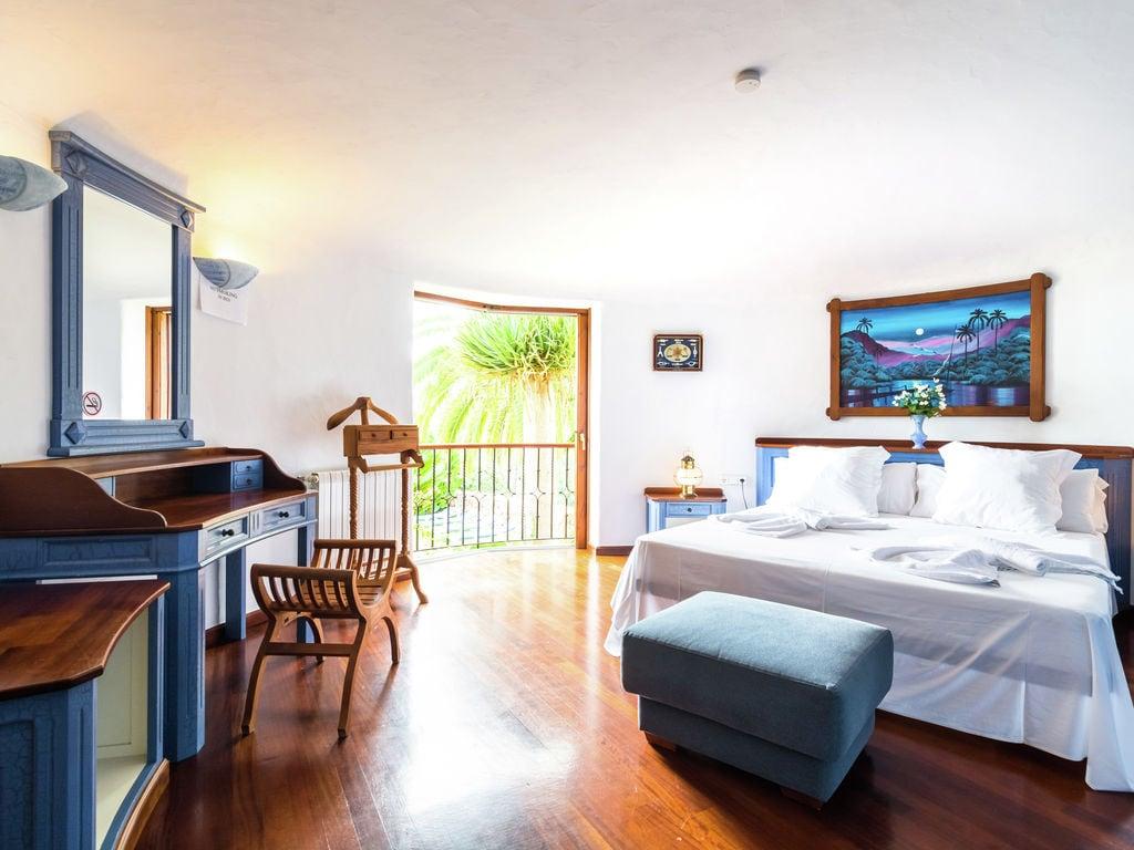 Ferienhaus Luxusvilla mit wunderschönem Pool in Santa Eulària des Riu (562867), Santa Eularia des Riu, Ibiza, Balearische Inseln, Spanien, Bild 19