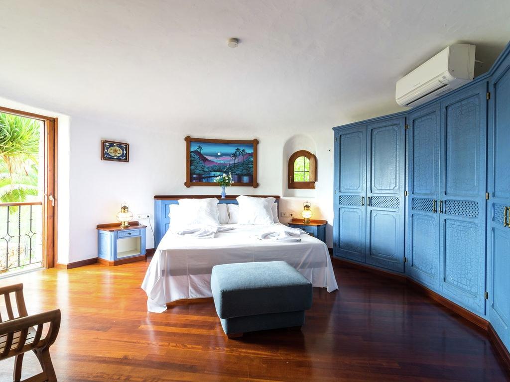 Ferienhaus Luxusvilla mit wunderschönem Pool in Santa Eulària des Riu (562867), Santa Eularia des Riu, Ibiza, Balearische Inseln, Spanien, Bild 18