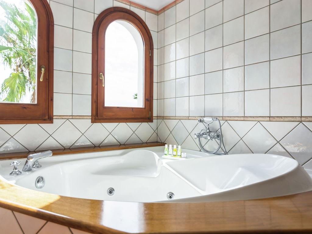 Ferienhaus Luxusvilla mit wunderschönem Pool in Santa Eulària des Riu (562867), Santa Eularia des Riu, Ibiza, Balearische Inseln, Spanien, Bild 21