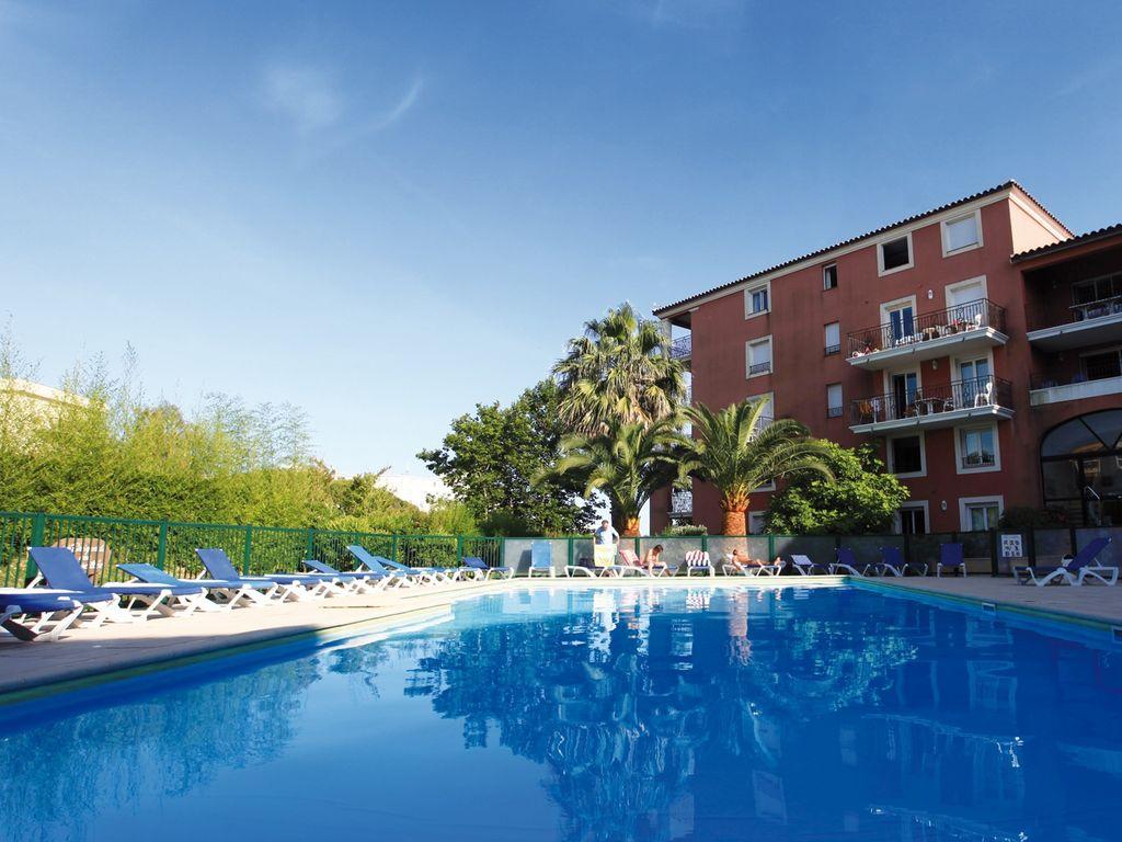 Ferienwohnung Farbenfreudige Wohnung mit Klimaanlage, Strand in 150 m Nähe (405097), Sainte Maxime, Côte d'Azur, Provence - Alpen - Côte d'Azur, Frankreich, Bild 3