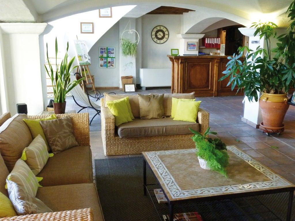 Ferienwohnung Farbenfreudige Wohnung mit Klimaanlage, Strand in 150 m Nähe (405097), Sainte Maxime, Côte d'Azur, Provence - Alpen - Côte d'Azur, Frankreich, Bild 6