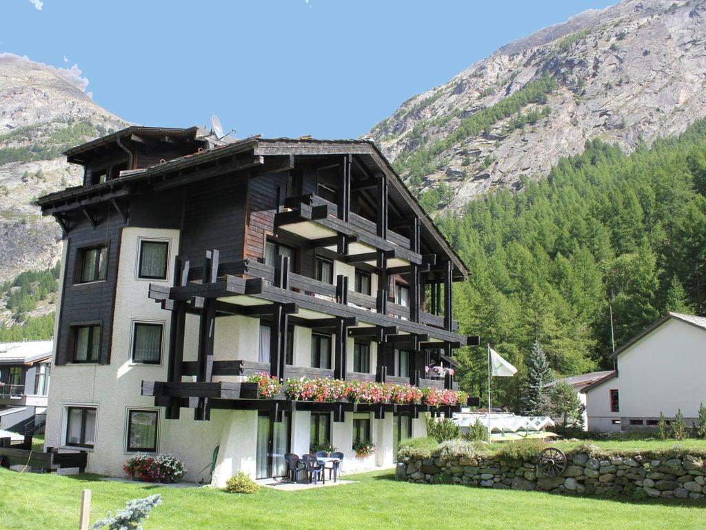 Ferienwohnung Großzügige Ferienwohnung mit Garten in Saas-Almagell (343174), Saas Almagell, Saastal, Wallis, Schweiz, Bild 2