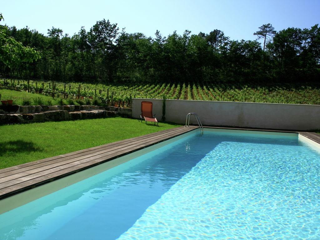 Maison de vacances Gîte avec piscine entouré de vignes (1404888), Lussac, Gironde, Aquitaine, France, image 4