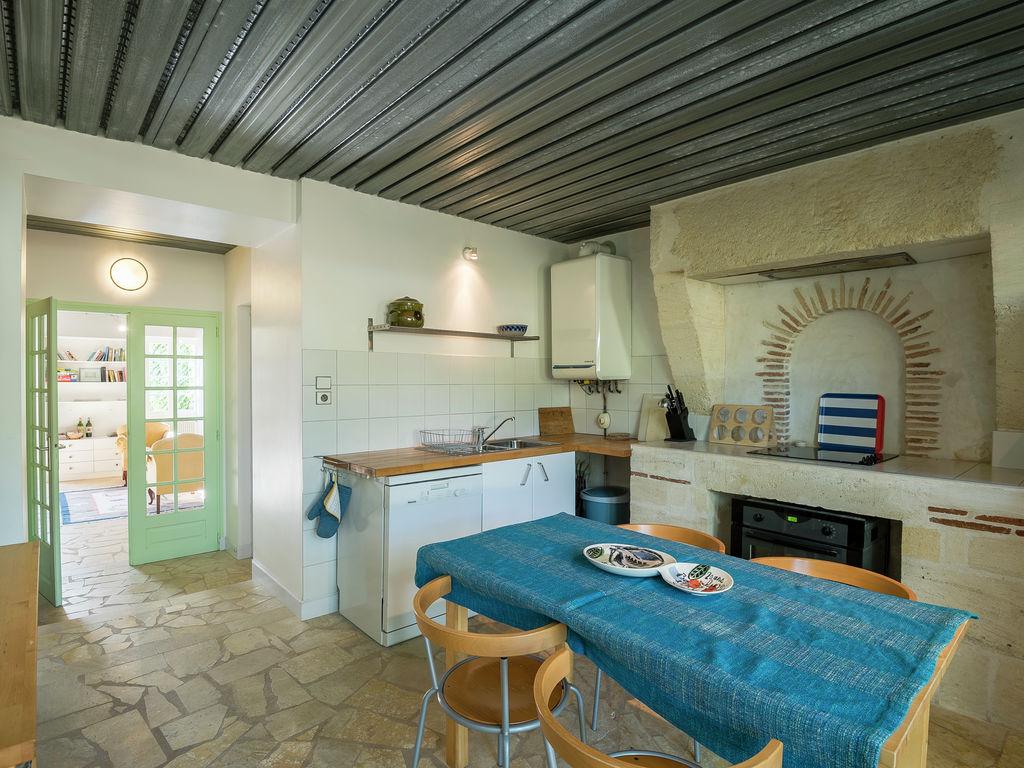 Maison de vacances Gîte avec piscine entouré de vignes (1404888), Lussac, Gironde, Aquitaine, France, image 10