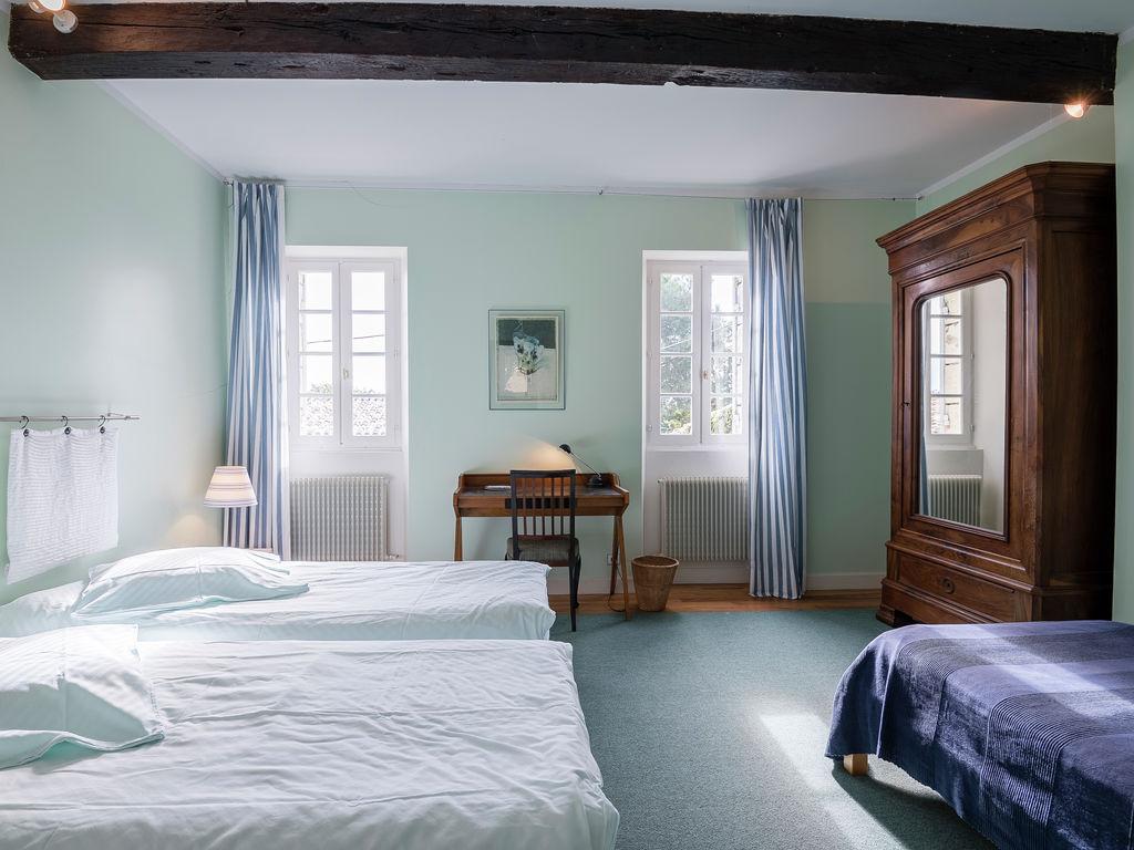 Maison de vacances Gîte avec piscine entouré de vignes (1404888), Lussac, Gironde, Aquitaine, France, image 14
