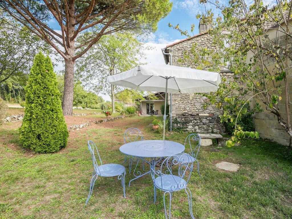 Maison de vacances Gîte avec piscine entouré de vignes (1404888), Lussac, Gironde, Aquitaine, France, image 21