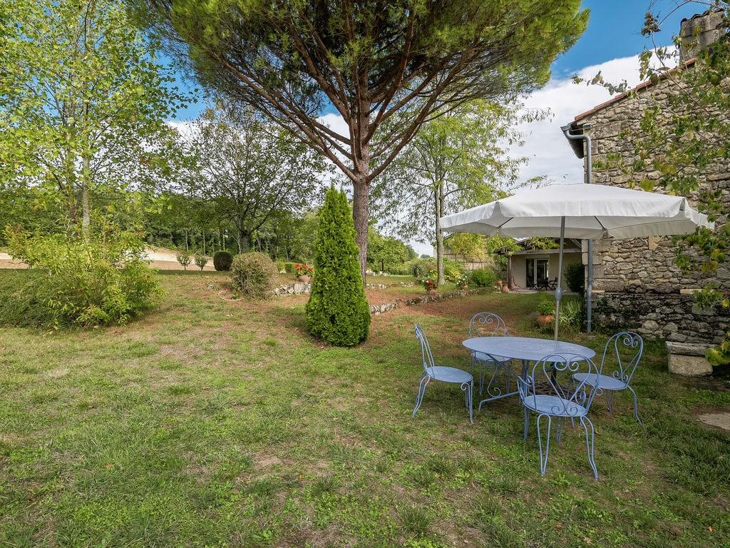 Maison de vacances Gîte avec piscine entouré de vignes (1404888), Lussac, Gironde, Aquitaine, France, image 24