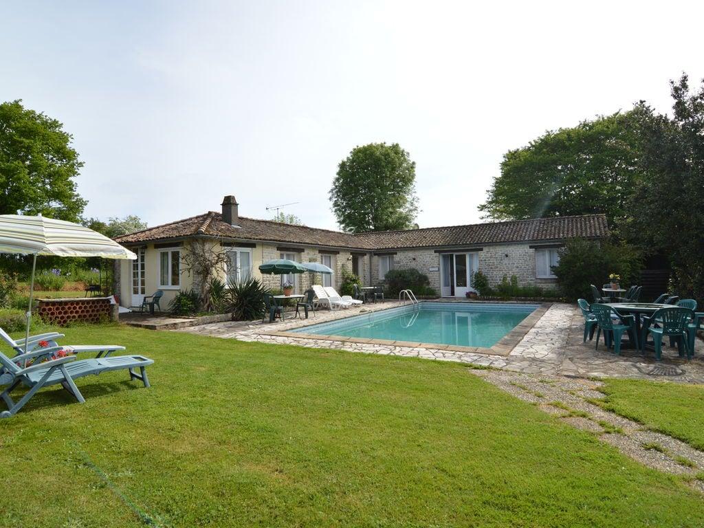 Ferienhaus Gemütliches Ferienhaus in Souvigné mit privatem Pool (359353), La Mothe St Héray, Deux-Sèvres, Poitou-Charentes, Frankreich, Bild 2