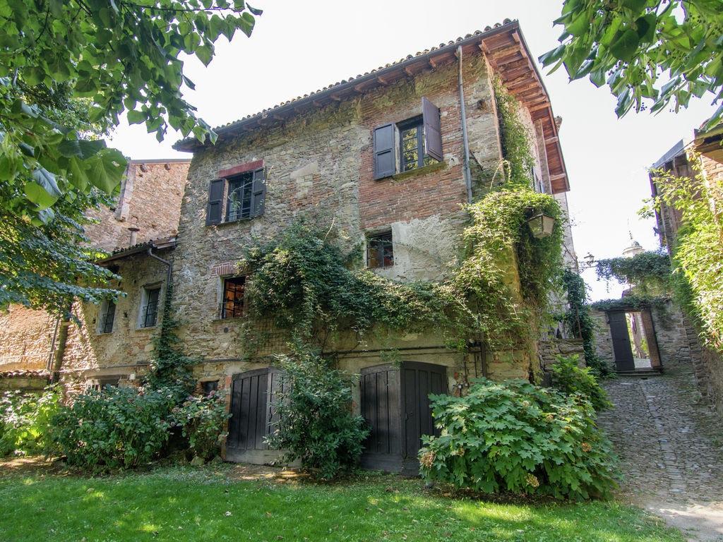Schönes Schloss in Tagliolo (Monferrat) in de Besondere Immobilie