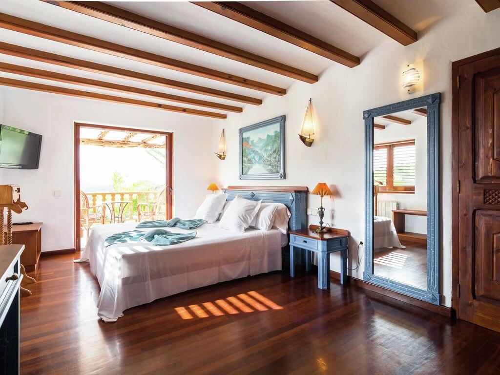 Ferienhaus Hübsches Ferienhaus in Santa Eulària des Riu mit Privatpool (562906), Santa Eularia des Riu, Ibiza, Balearische Inseln, Spanien, Bild 21