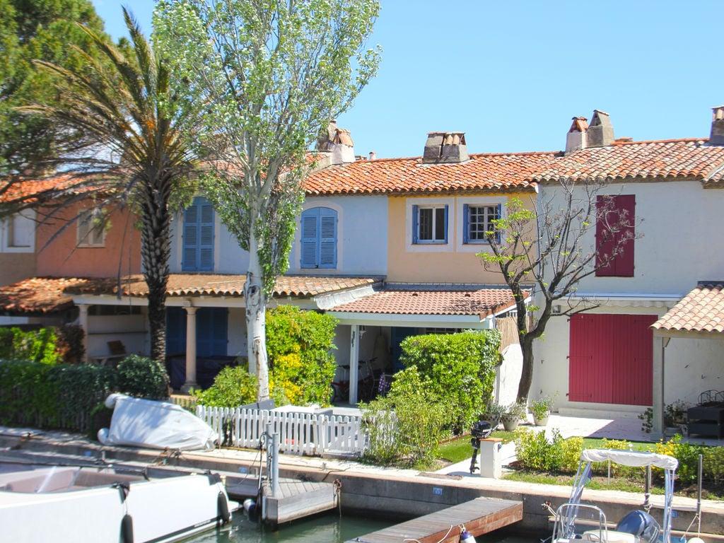 Holiday house Modernes Ferienhaus in Grimaud mit Terrasse (404892), Cogolin, Côte d'Azur, Provence - Alps - Côte d'Azur, France, picture 2