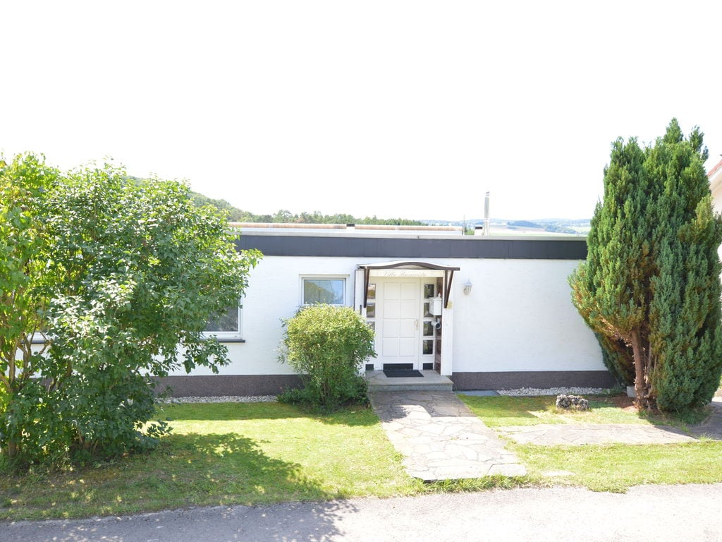 Herrliche Villa in Gerolstein mit eigenem Garten Ferienhaus in Deutschland