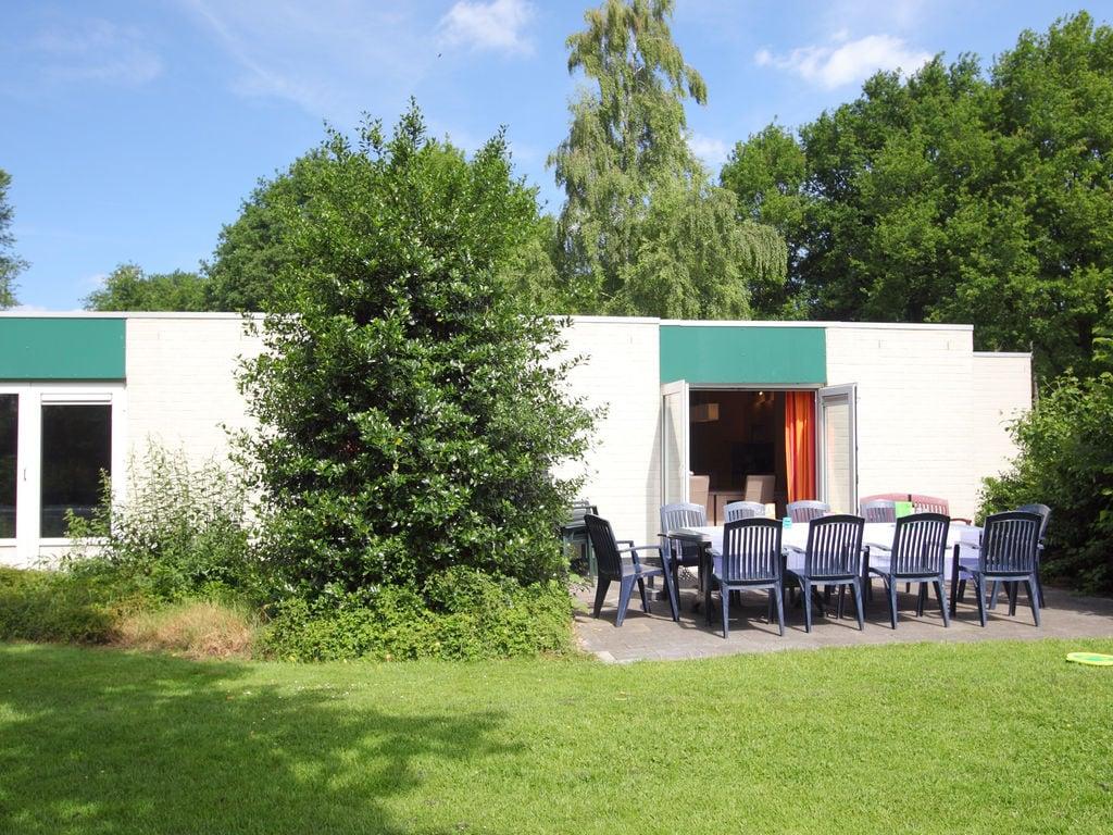 Ferienhaus Geräum. Bungalow mit Geschirrsp., nahe dem Hunebedcentrum (409709), Borger, , Drenthe, Niederlande, Bild 2