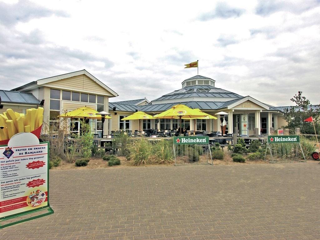 Ferienhaus Stilvolle Doppelhaus-Villa mit Garten, 1 km vom Strand entf. (411380), Stroodorp, , Seeland, Niederlande, Bild 9