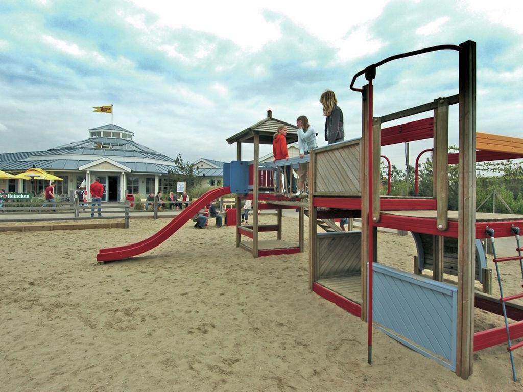 Ferienhaus Stilvolle Doppelhaus-Villa mit Garten, 1 km vom Strand entf. (411380), Stroodorp, , Seeland, Niederlande, Bild 10