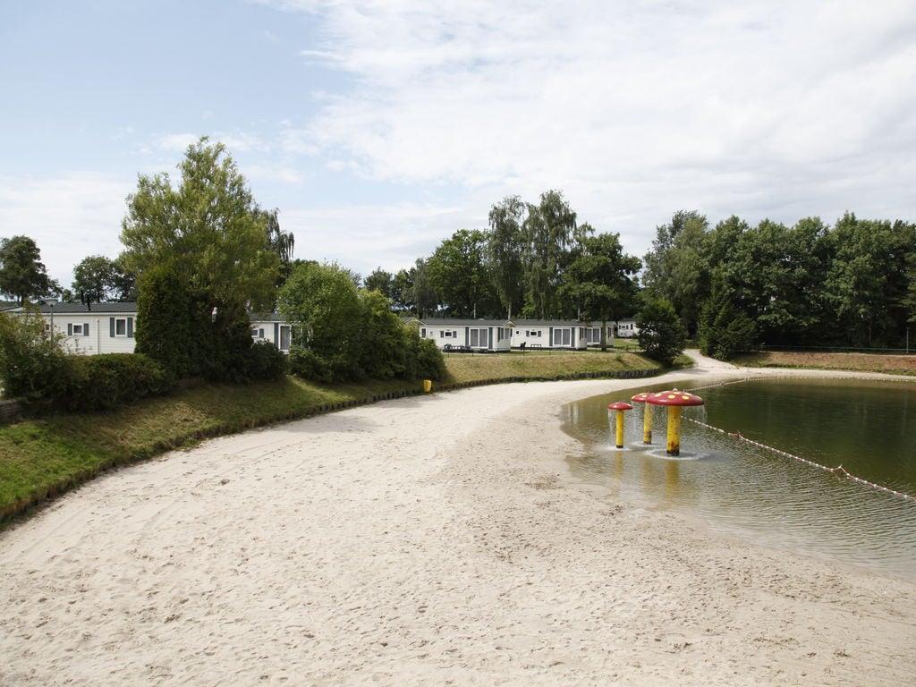 Ferienhaus Komfortables Chalet mit Geschirrspüler, in autofreier Zone (419011), Arcen, Noord-Limburg, Limburg (NL), Niederlande, Bild 29