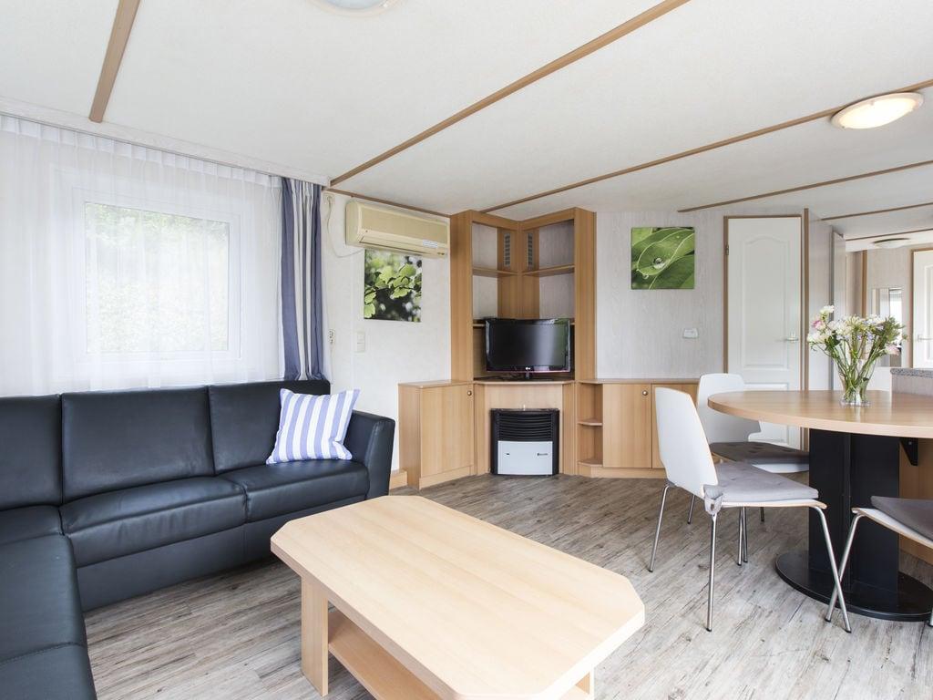 Ferienhaus Komfortables Chalet mit Geschirrspüler, in autofreier Zone (419011), Arcen, Noord-Limburg, Limburg (NL), Niederlande, Bild 6