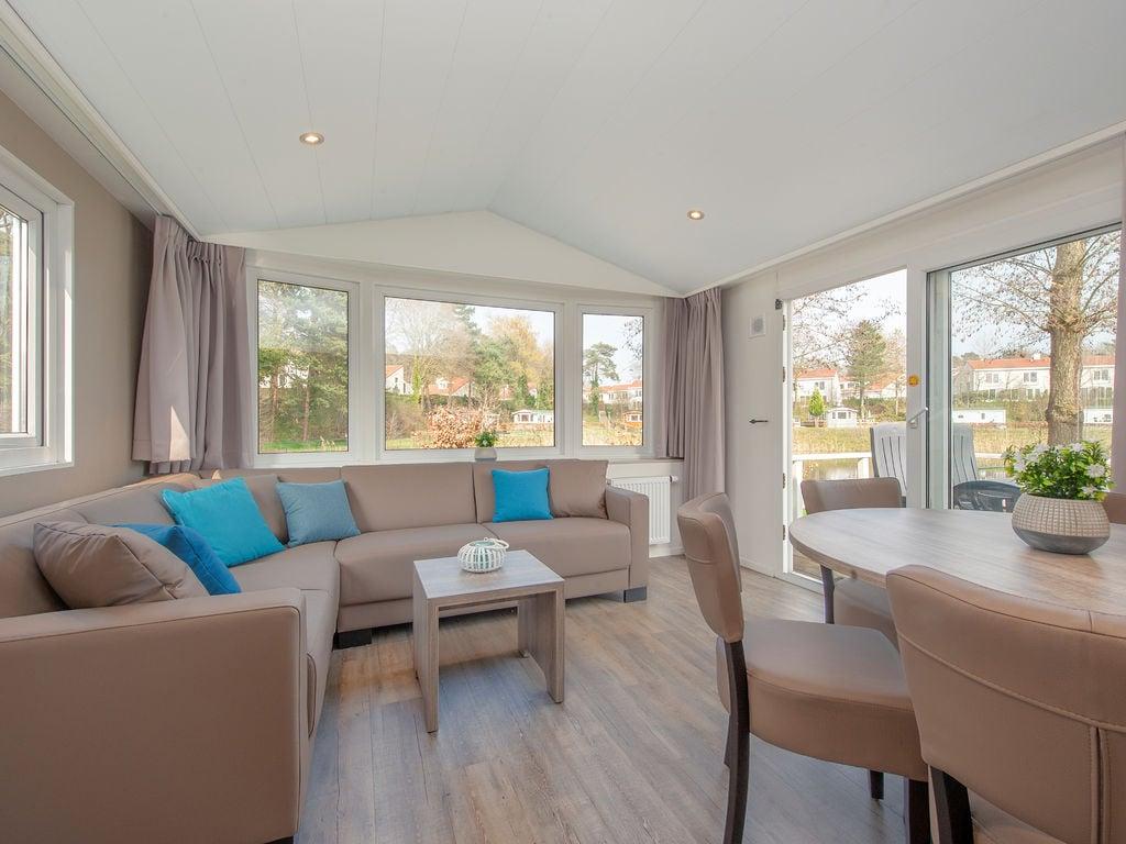 Ferienhaus Komfortables Chalet mit Geschirrspüler, in autofreier Zone (419011), Arcen, Noord-Limburg, Limburg (NL), Niederlande, Bild 4