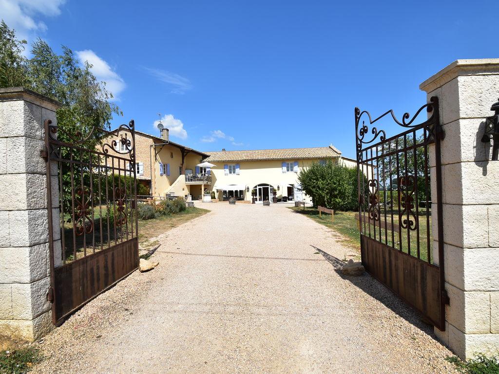 Ferienhaus Geräumiges Landhaus mit Pool in Vinzelles (424589), Crêches sur Saône, Saône-et-Loire, Burgund, Frankreich, Bild 2