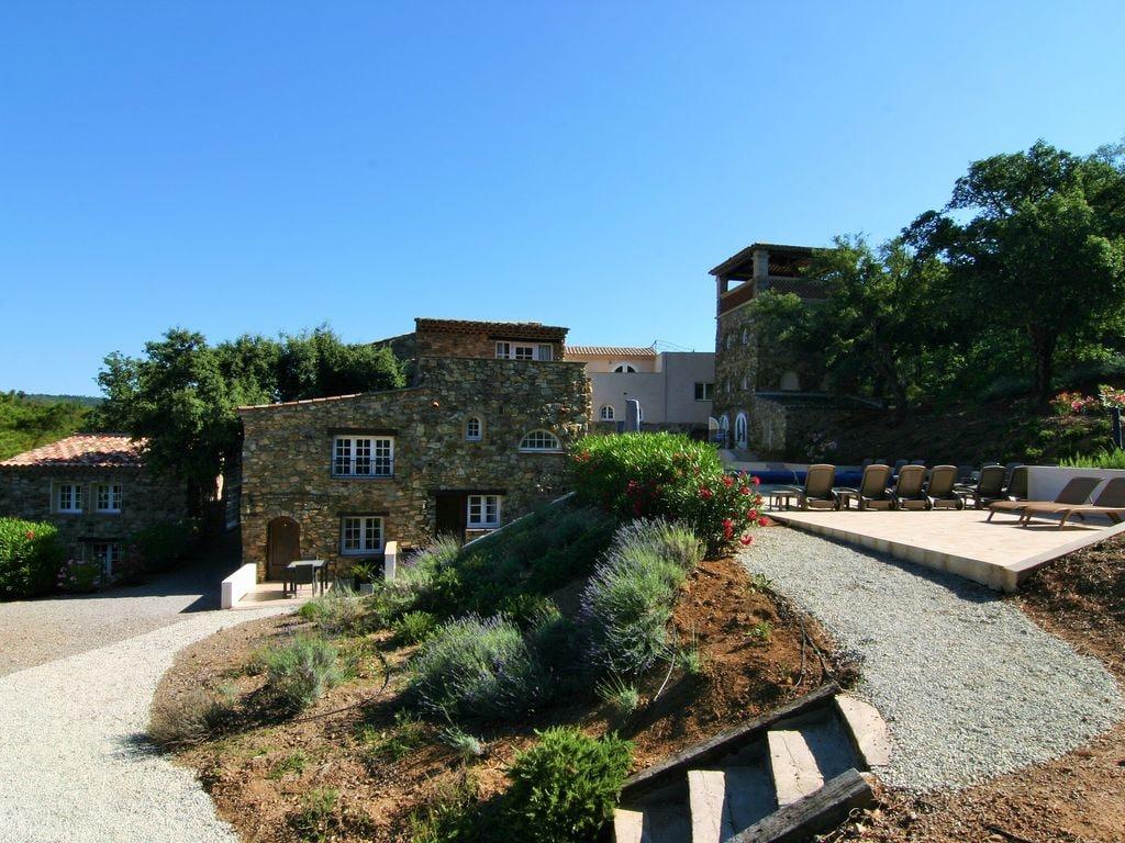 Ferienhaus Modernes Haus mit Terrasse, nahe dem beliebten St. Maxime (427930), Sainte Maxime, Côte d'Azur, Provence - Alpen - Côte d'Azur, Frankreich, Bild 7