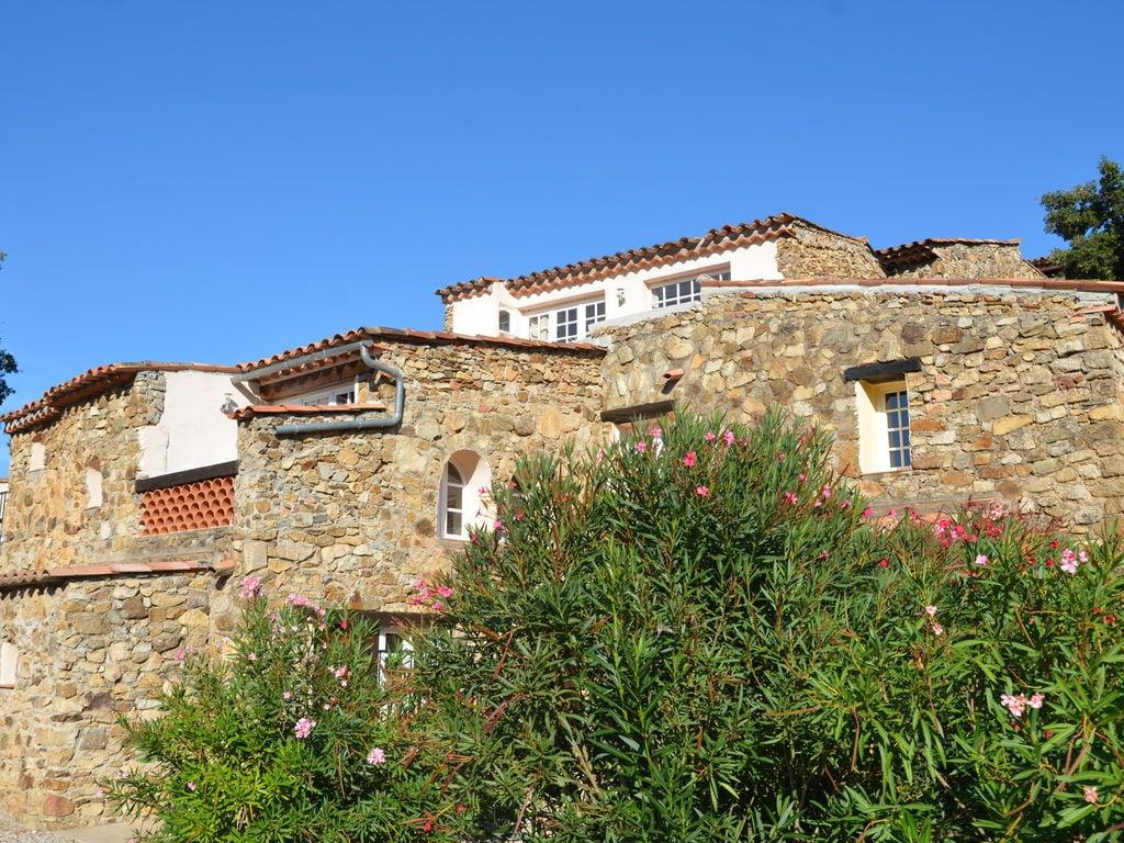 Ferienhaus Modernes Haus mit Terrasse, nahe dem beliebten St. Maxime (428319), Sainte Maxime, Côte d'Azur, Provence - Alpen - Côte d'Azur, Frankreich, Bild 2