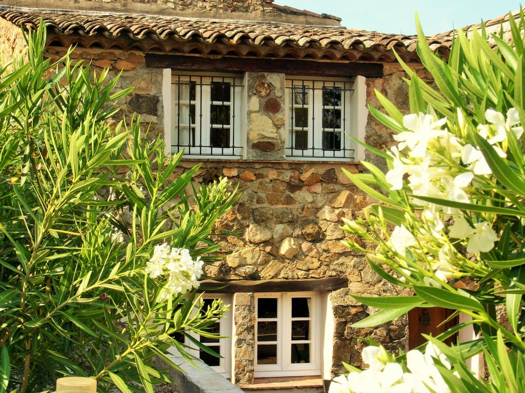Ferienhaus Modernes Haus mit Terrasse, nahe dem beliebten St. Maxime (428319), Sainte Maxime, Côte d'Azur, Provence - Alpen - Côte d'Azur, Frankreich, Bild 4
