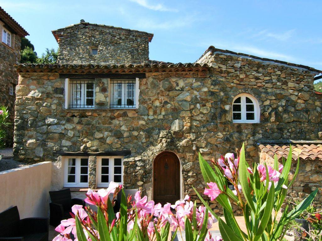 Ferienhaus Modernes Haus mit Terrasse, nahe dem beliebten St. Maxime (428319), Sainte Maxime, Côte d'Azur, Provence - Alpen - Côte d'Azur, Frankreich, Bild 3