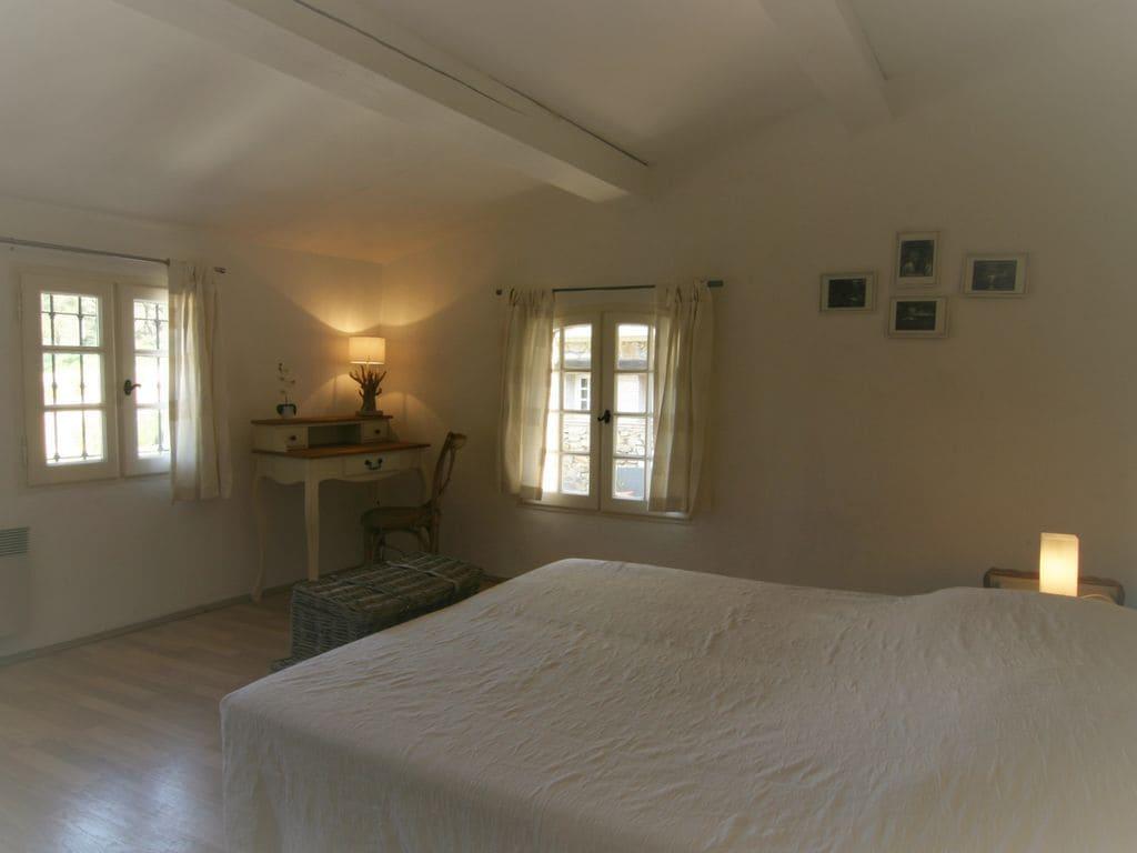 Ferienhaus Modernes Haus mit Terrasse, nahe dem beliebten St. Maxime (428319), Sainte Maxime, Côte d'Azur, Provence - Alpen - Côte d'Azur, Frankreich, Bild 15