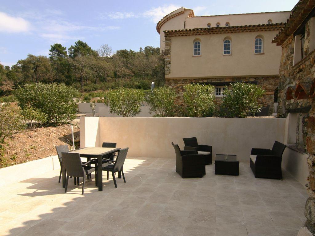 Ferienhaus Modernes Haus mit Terrasse, nahe dem beliebten St. Maxime (428319), Sainte Maxime, Côte d'Azur, Provence - Alpen - Côte d'Azur, Frankreich, Bild 24