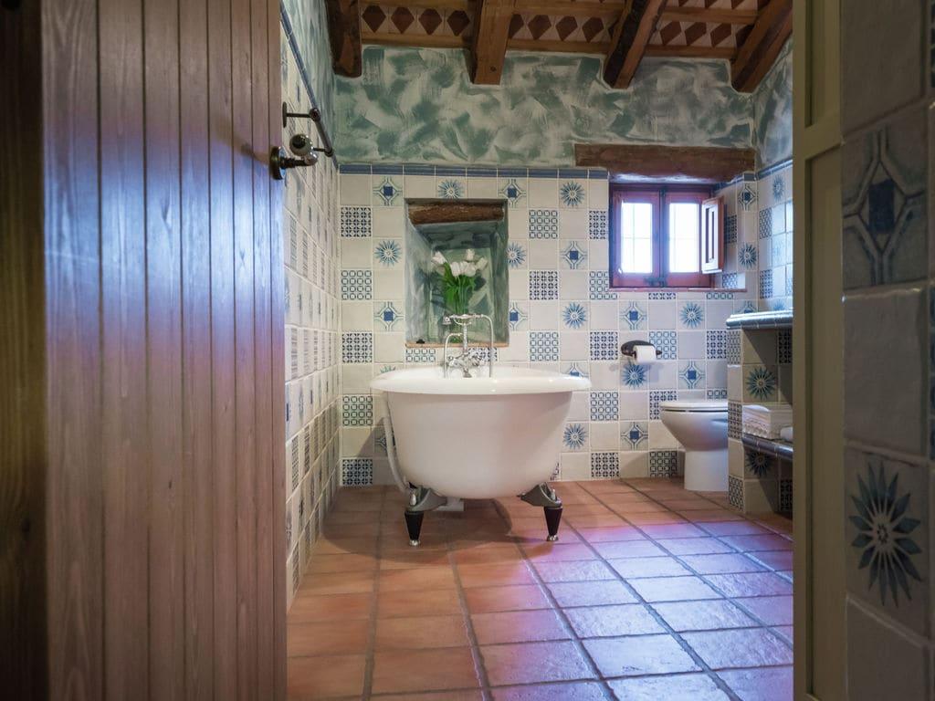 Ferienhaus Luxuriöses Herrenhaus in Katalonien mit Sauna (447521), La Bisbal del Penedes, Tarragona, Katalonien, Spanien, Bild 23