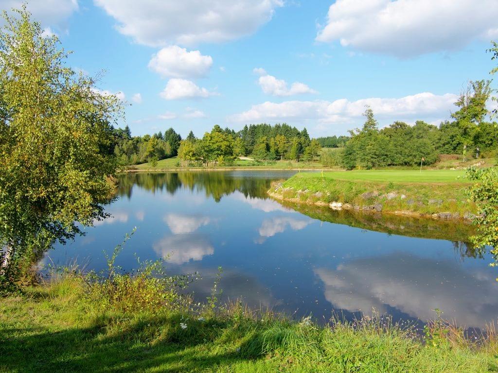 Ferienhaus Geräumiges Ferienhaus auf einem schönen Grundstück mit einem beheizten Pool. (465001), Cherves Châtelars, Charente, Poitou-Charentes, Frankreich, Bild 22