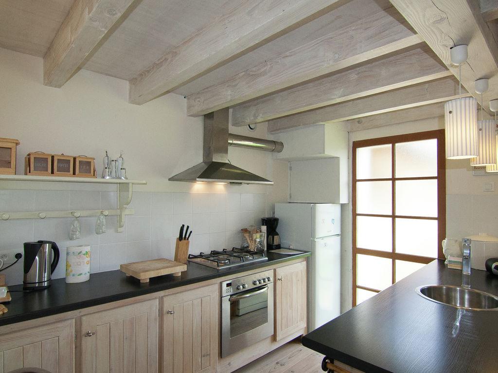 Ferienhaus Geräumiges Ferienhaus auf einem schönen Grundstück mit einem beheizten Pool. (465001), Cherves Châtelars, Charente, Poitou-Charentes, Frankreich, Bild 9