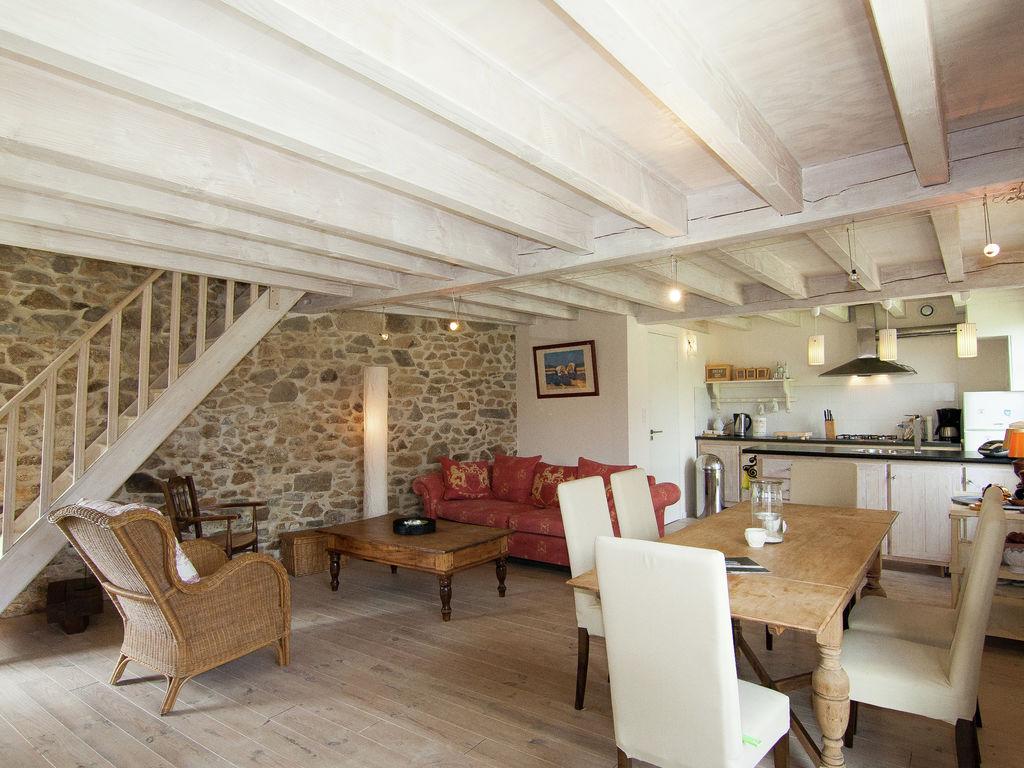 Ferienhaus Geräumiges Ferienhaus auf einem schönen Grundstück mit einem beheizten Pool. (465001), Cherves Châtelars, Charente, Poitou-Charentes, Frankreich, Bild 6