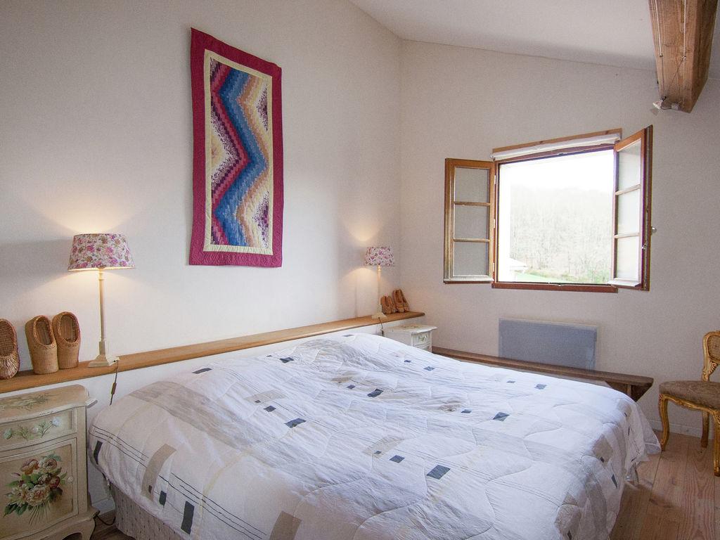 Ferienhaus Geräumiges Ferienhaus auf einem schönen Grundstück mit einem beheizten Pool. (465001), Cherves Châtelars, Charente, Poitou-Charentes, Frankreich, Bild 13