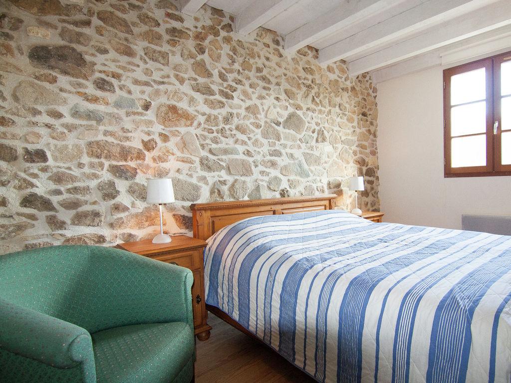Ferienhaus Geräumiges Ferienhaus auf einem schönen Grundstück mit einem beheizten Pool. (465001), Cherves Châtelars, Charente, Poitou-Charentes, Frankreich, Bild 10
