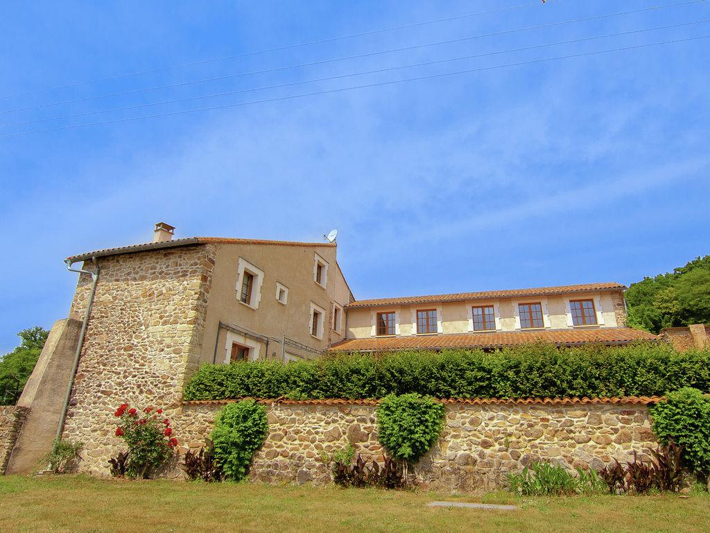 Ferienhaus Geräumiges Ferienhaus auf einem schönen Grundstück mit einem beheizten Pool. (465001), Cherves Châtelars, Charente, Poitou-Charentes, Frankreich, Bild 4