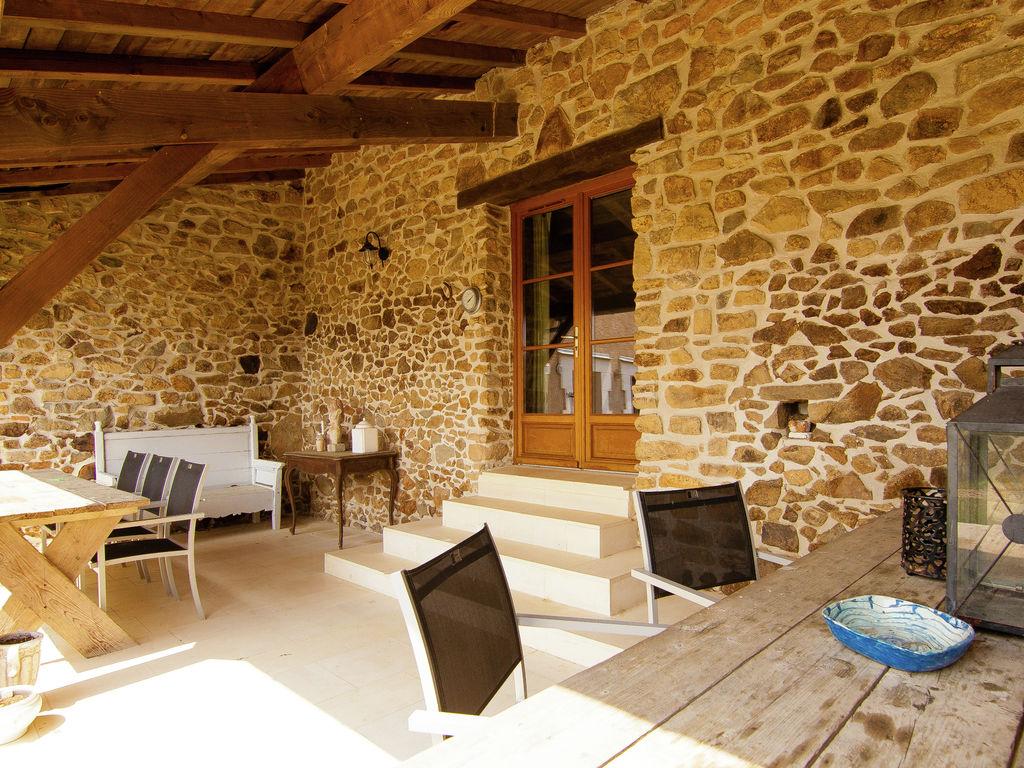 Ferienhaus Sehr geräumig Ferienhaus auf einem Grundstück mit einem beheizten Pool. (465000), Cherves Châtelars, Charente, Poitou-Charentes, Frankreich, Bild 23