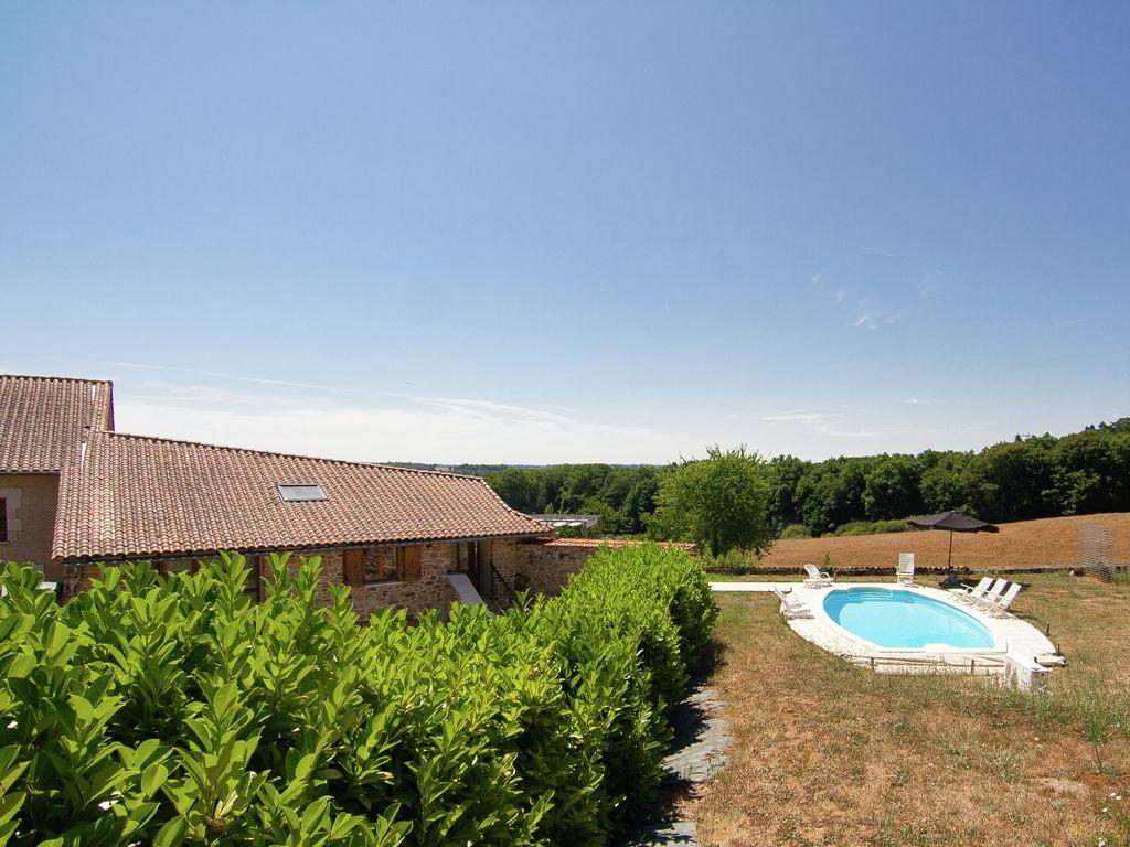 Ferienhaus Geräumiges Ferienhaus in Roussines mit privatem Pool (464999), Cherves Châtelars, Charente, Poitou-Charentes, Frankreich, Bild 3
