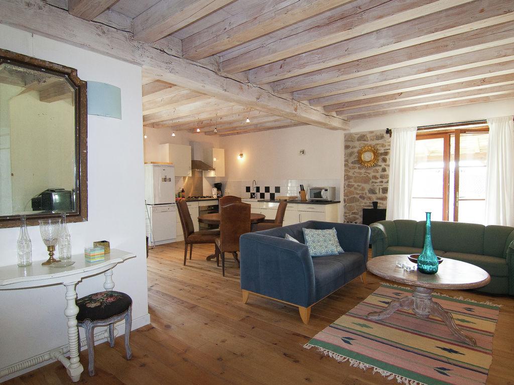 Ferienhaus Sehr schönes Ferienhaus mit Studio in einer Domäne mit beheiztem Pool. (465008), Cherves Châtelars, Charente, Poitou-Charentes, Frankreich, Bild 9