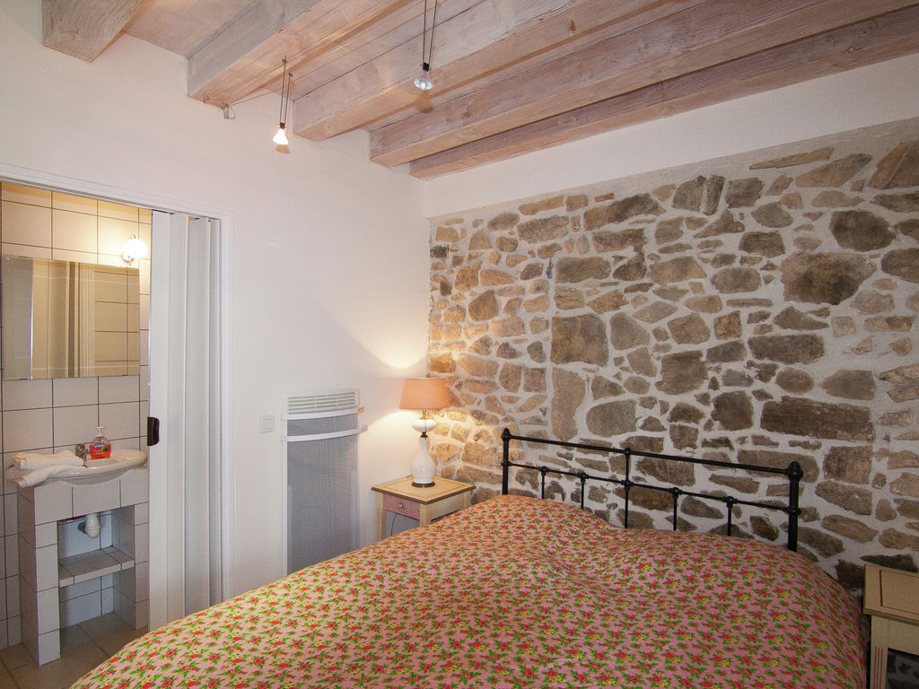 Ferienhaus Sehr schönes Ferienhaus mit Studio in einer Domäne mit beheiztem Pool. (465008), Cherves Châtelars, Charente, Poitou-Charentes, Frankreich, Bild 19