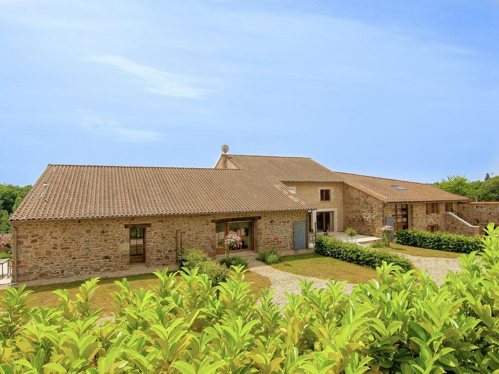 Ferienhaus für Behinderte geeignet auf einem Landgut mit einem beheizten Pool (465005), Cherves Châtelars, Charente, Poitou-Charentes, Frankreich, Bild 1